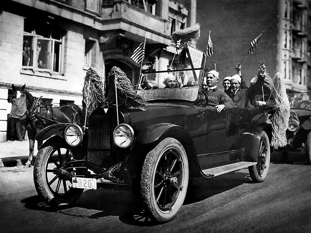 Hud in 1916 Hudson Super Six